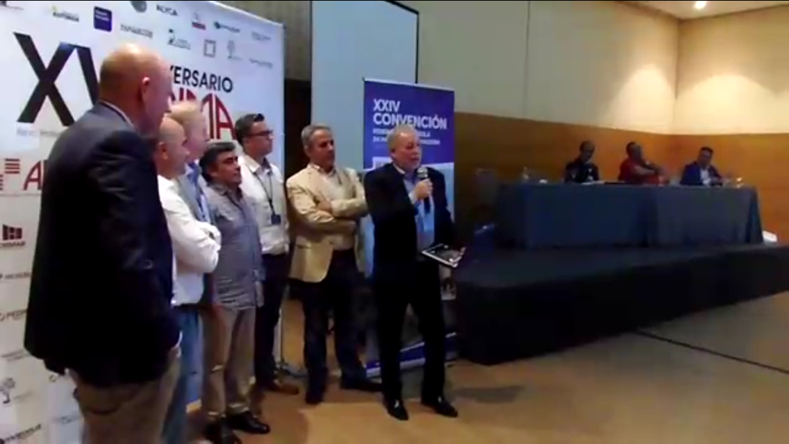 Entrega de premio a Miguel Ángel Hernandez