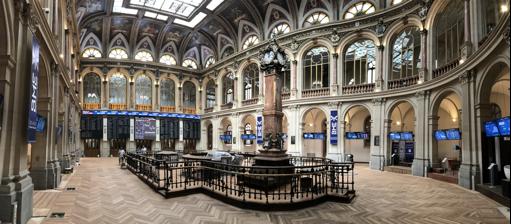 Interior del edificio bolsa de Madrid