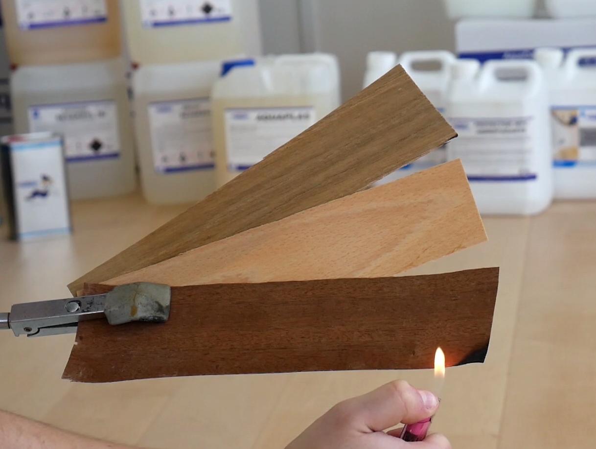 Prueba de ignifugación sobre tres muestras de madera